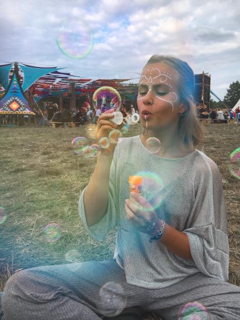 Seifenblasen gehören zu einem Festival dazu